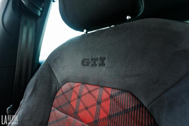 Interieur_volkswagen-golf-gti-tcr_15