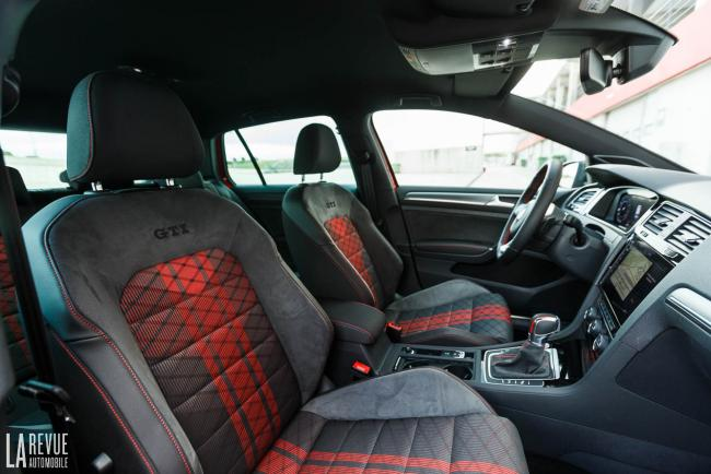 Interieur_volkswagen-golf-gti-tcr_9
