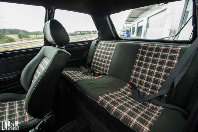 Interieur_Volkswagen-Golf-GTI_22