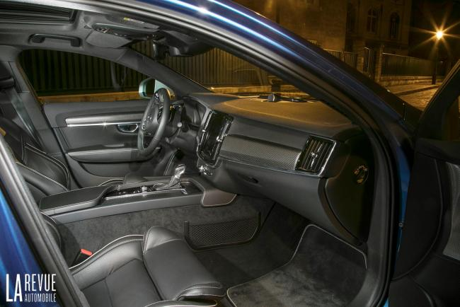 Interieur_Volvo-S90-R-Design_17