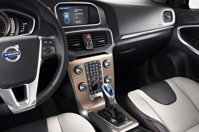 Interieur_Volvo-V40-Cross-Country_24