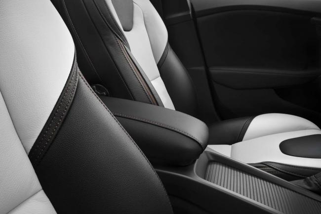 Interieur_Volvo-V40-Cross-Country_22