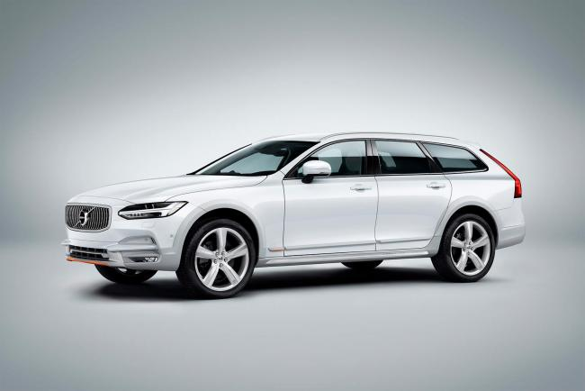 Exterieur_Volvo-V90-Cross-Country-Ocean-Race_12