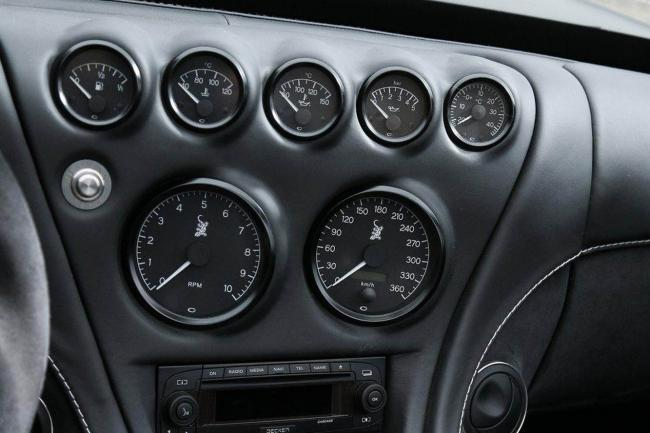 Interieur_Wiesmann-MF5-V10-Black-Bat_16