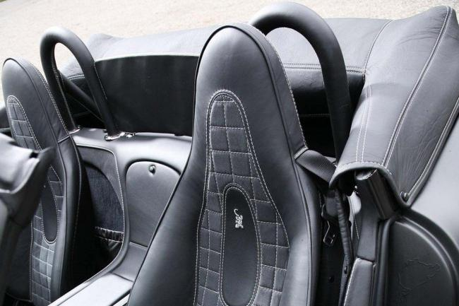Interieur_Wiesmann-MF5-V10-Black-Bat_17
