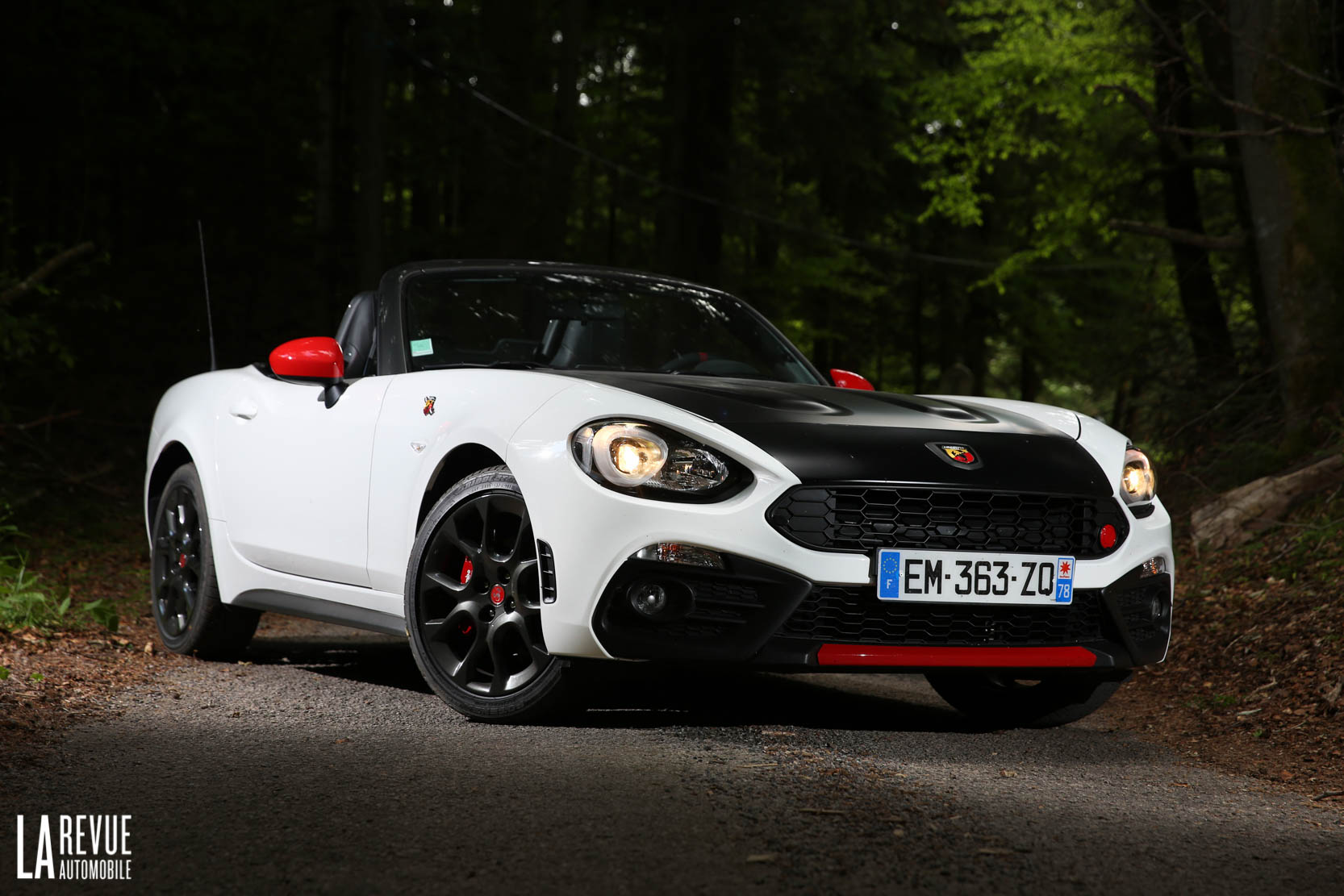 Exterieur_Abarth-124-Spider-2017_8