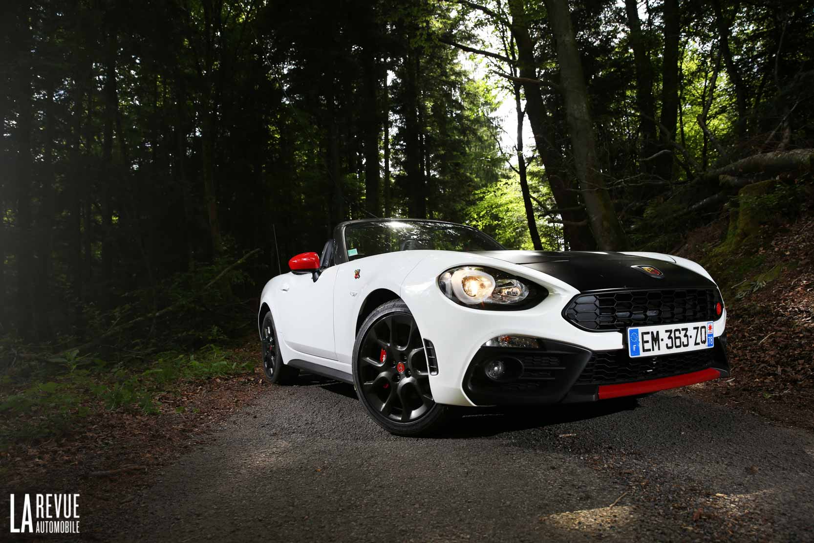 Exterieur_Abarth-124-Spider-2017_23