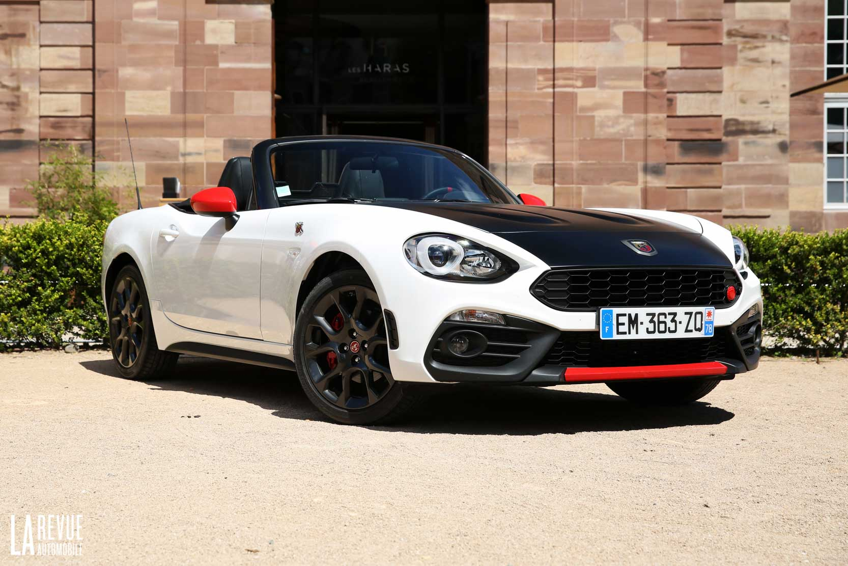 Exterieur_Abarth-124-Spider-2017_18