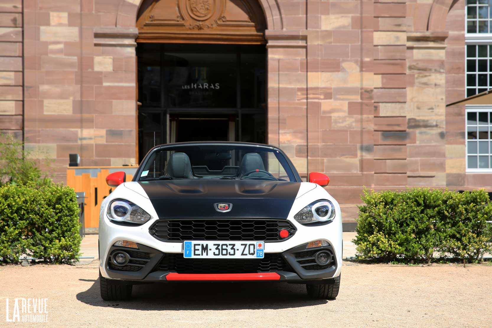 Exterieur_Abarth-124-Spider-2017_28