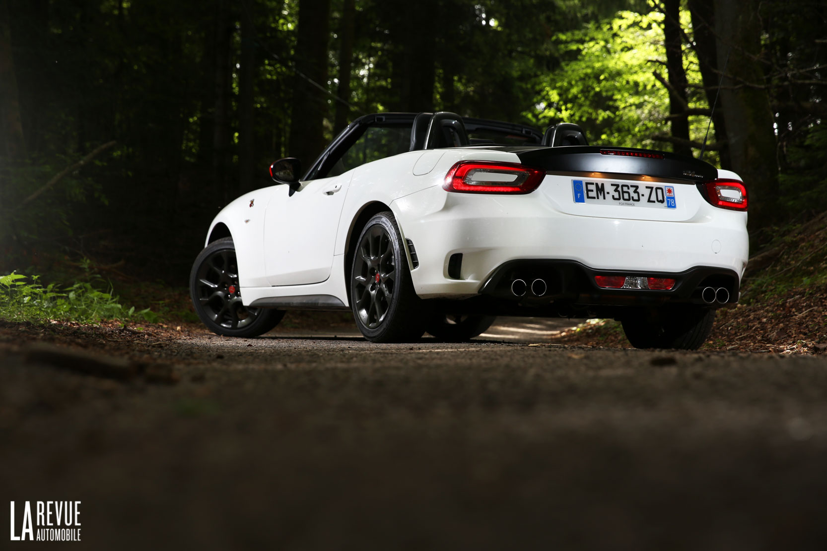Exterieur_Abarth-124-Spider-2017_5