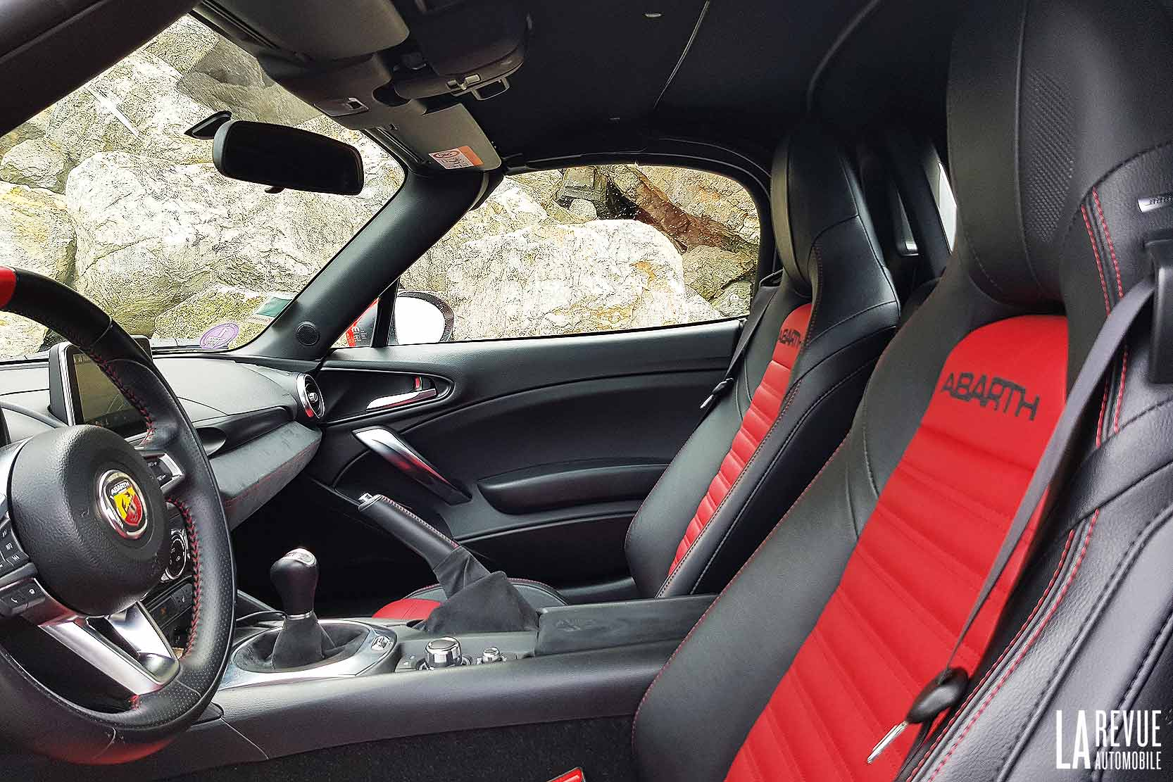 Interieur_Abarth-124-Spider-Turismo_20