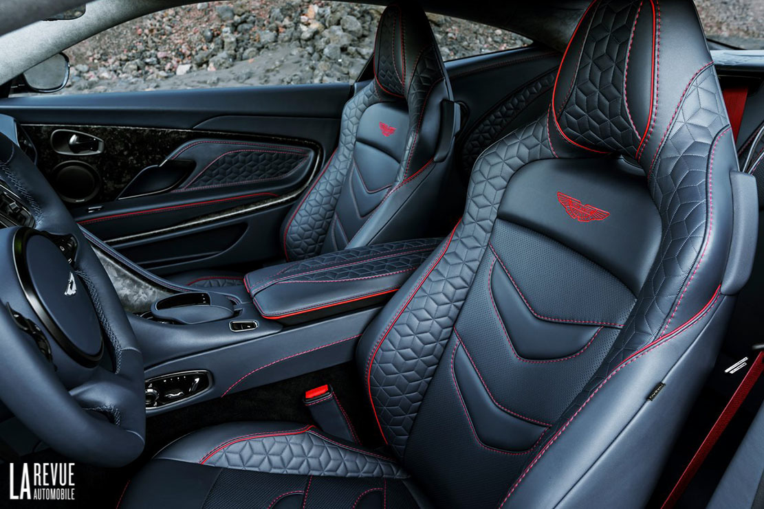 Interieur_Aston-Martin-DBS-Superleggera_25