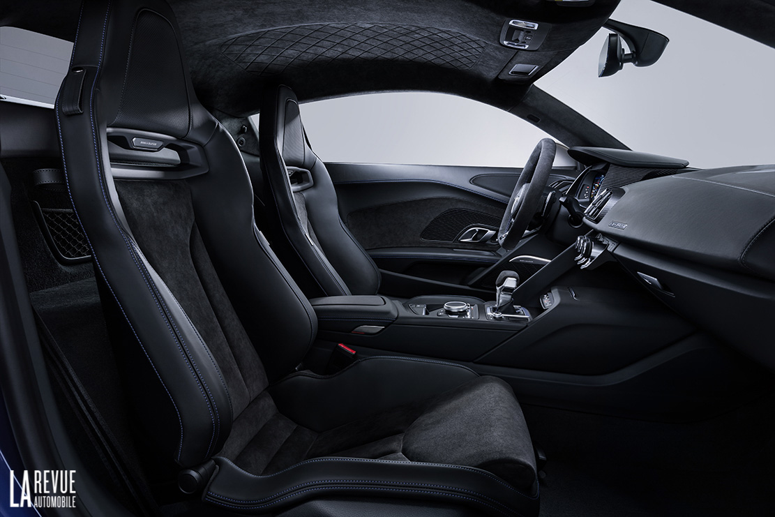 Interieur_Audi-R8-Facelift-2019_21