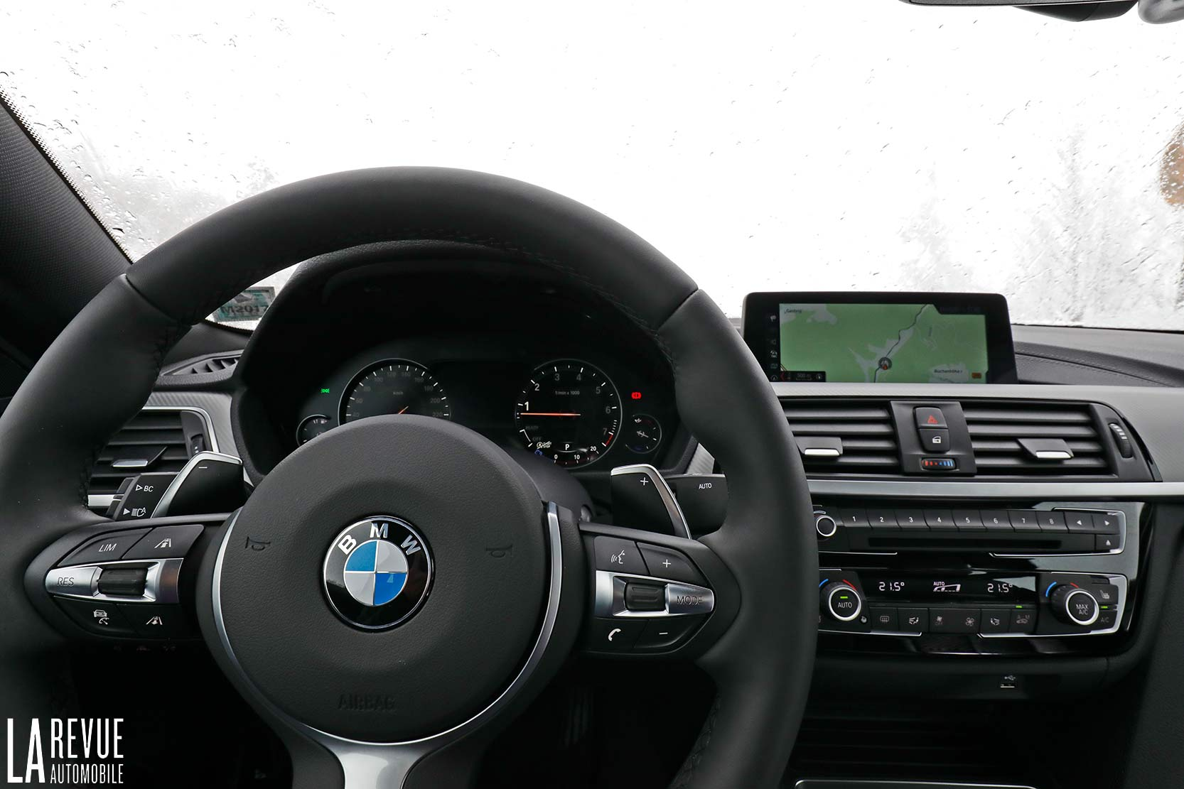 Interieur_Bmw-440i-coupe-2017_38