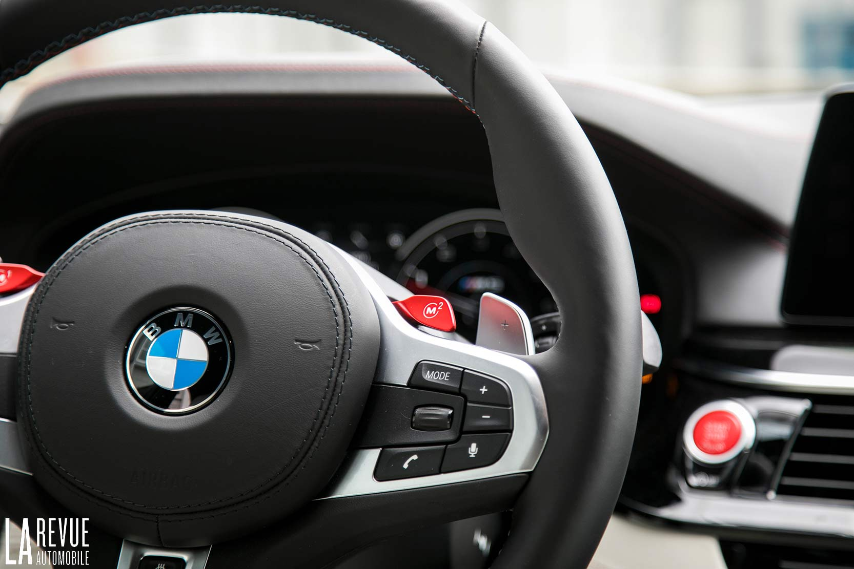 volant BMW M5 F9