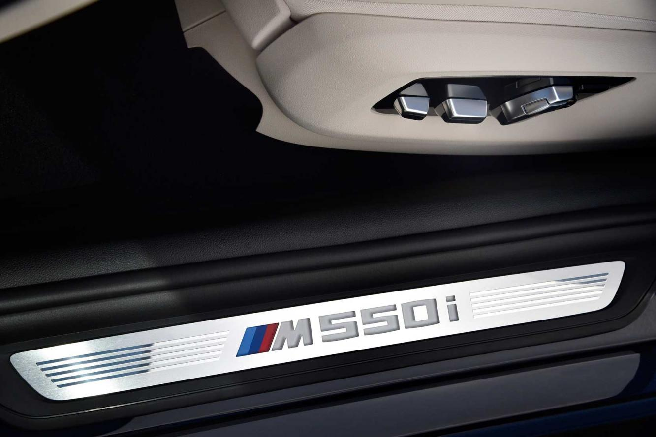 Interieur_Bmw-M550i-xDrive_29