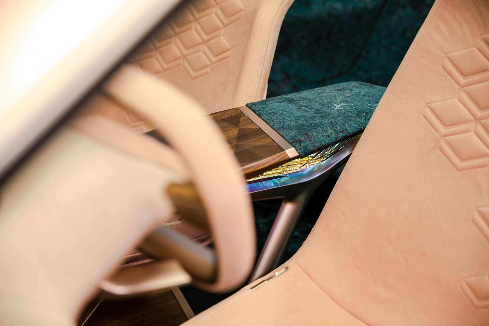 Interieur_Bmw-Vision-iNEXT_18