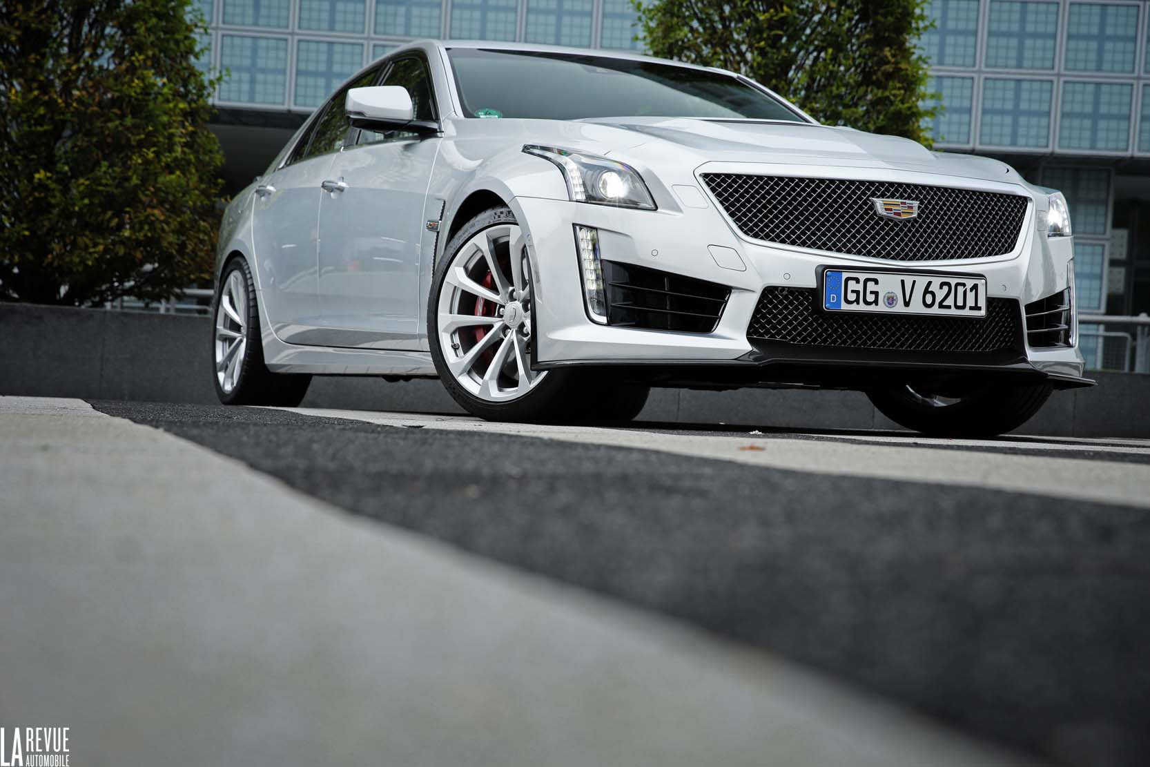 Exterieur_Cadillac-CTS-V-2015_15