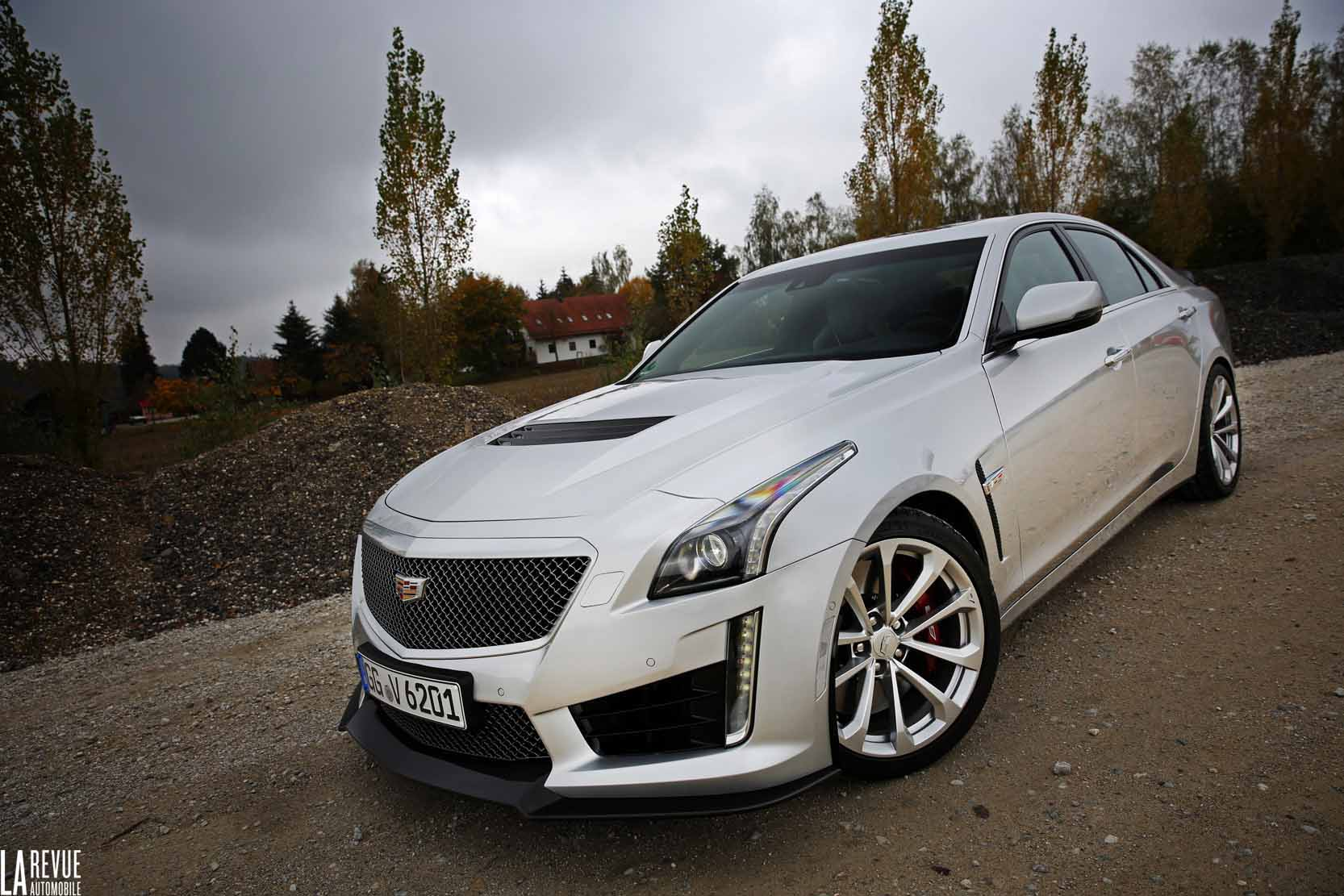 Exterieur_Cadillac-CTS-V-2015_11
