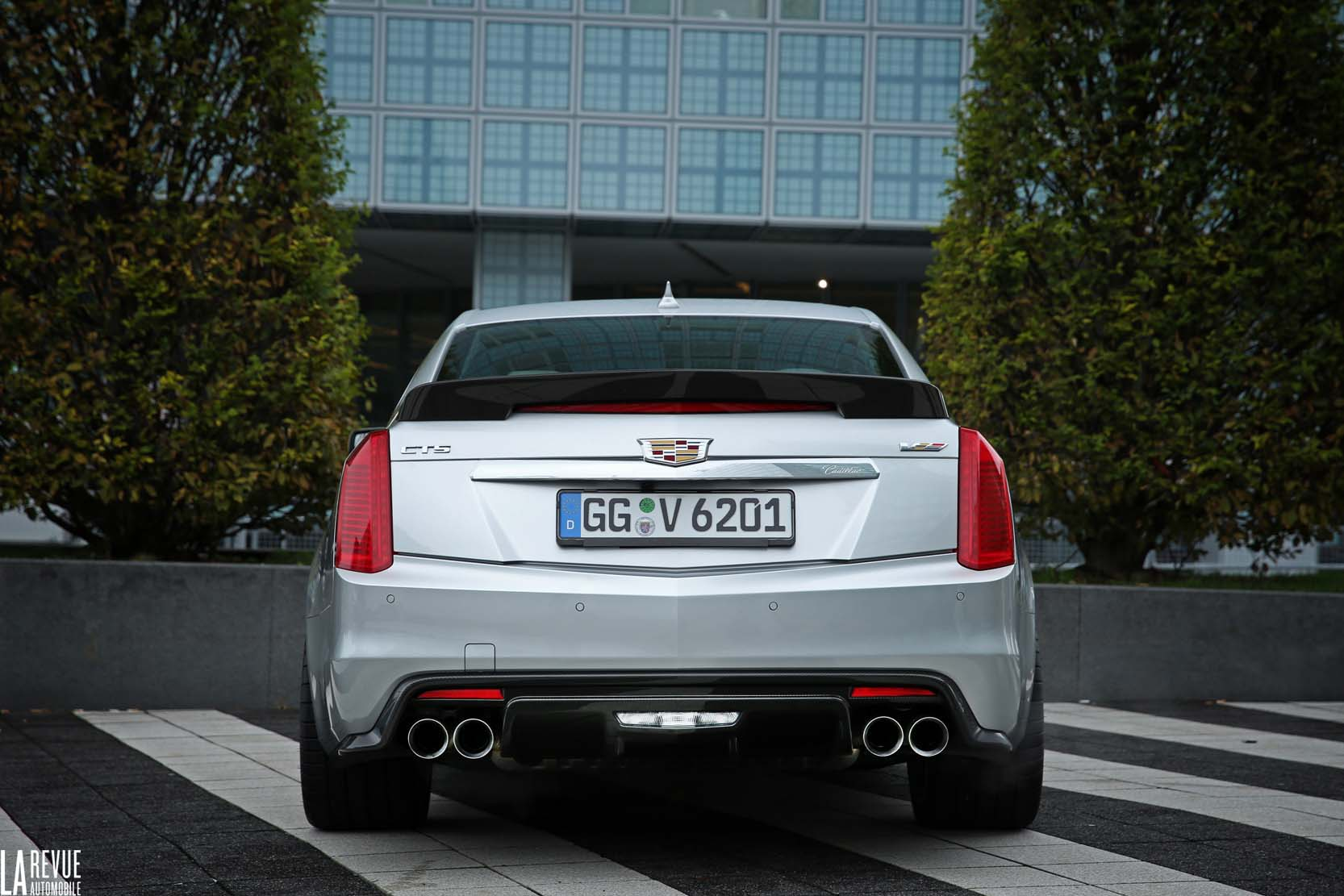 Exterieur_Cadillac-CTS-V-2015_7