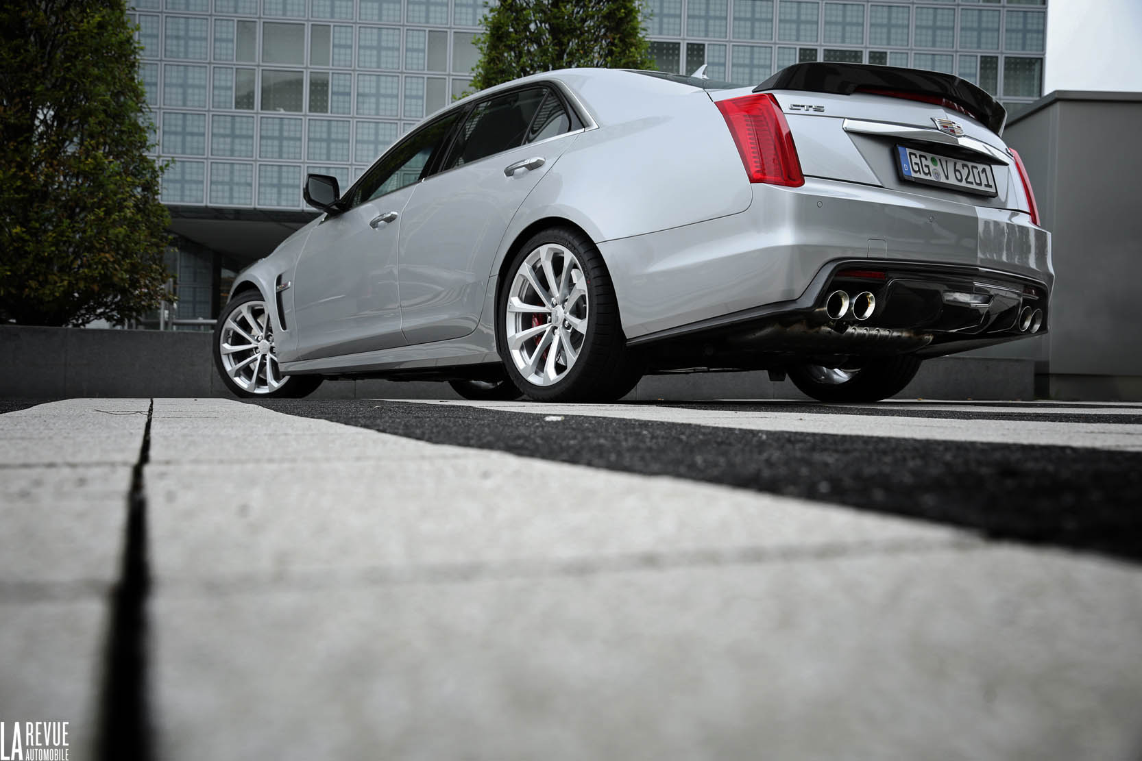 Exterieur_Cadillac-CTS-V-2015_4