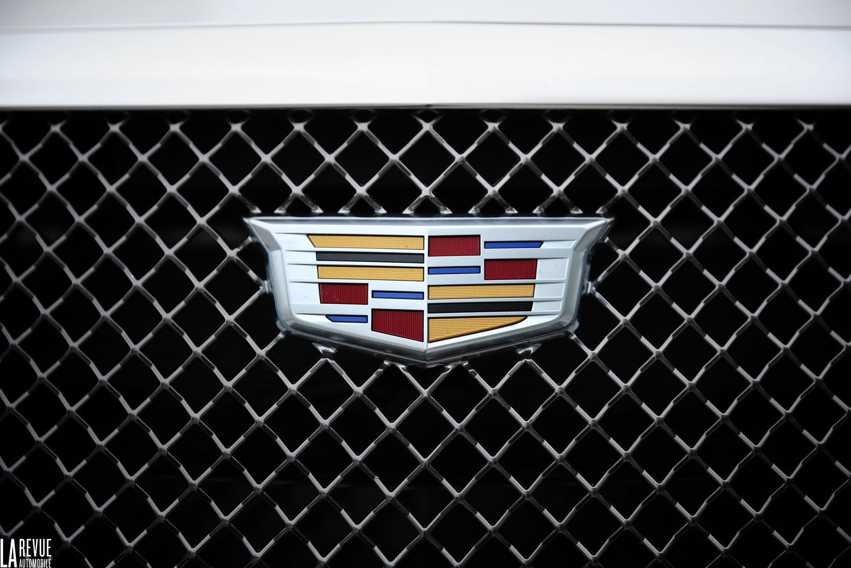 Exterieur_Cadillac-CTS-V-2015_23