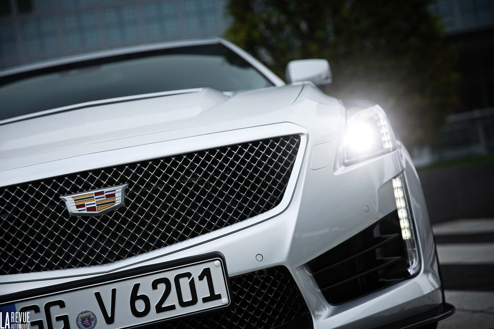 Exterieur_Cadillac-CTS-V-2015_1