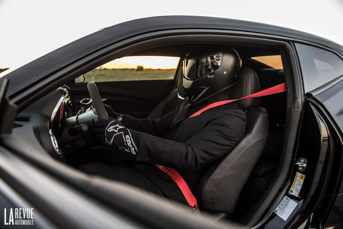 Interieur_Chevrolet-Camaro-The-Exorcist-Hennessey_22