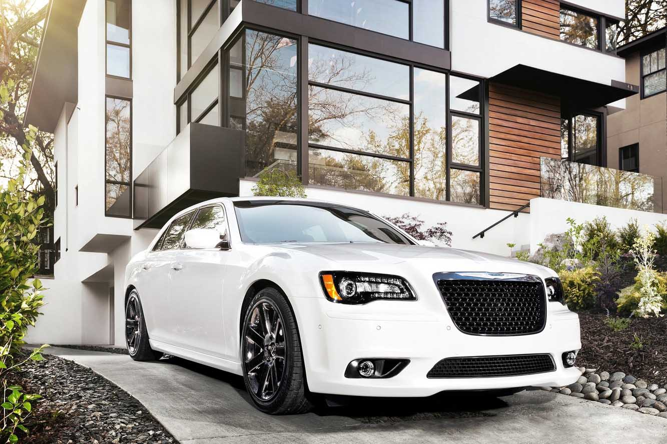Exterieur_Chrysler-300-SRT8_0