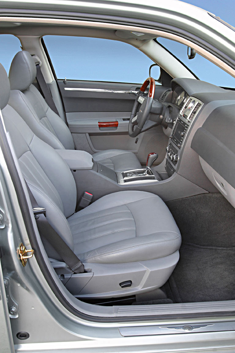Interieur_Chrysler-300C_56