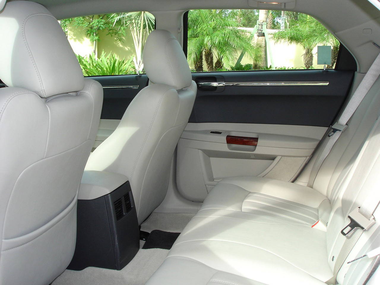 Interieur_Chrysler-300C_48