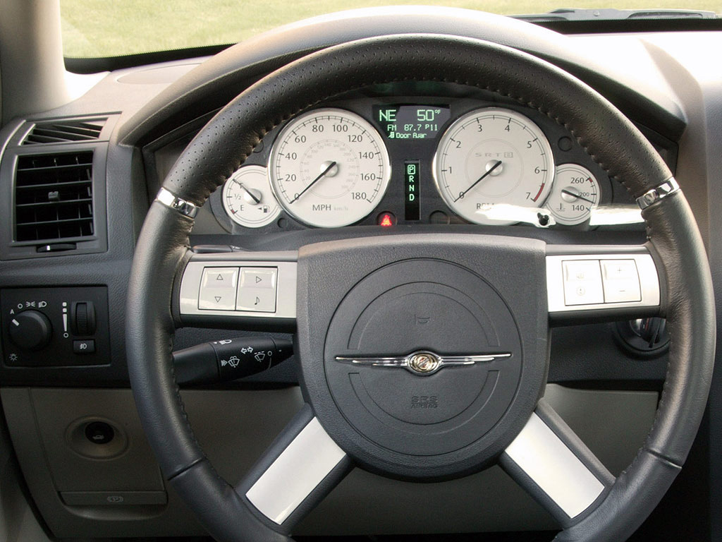 Interieur_Chrysler-300C_52