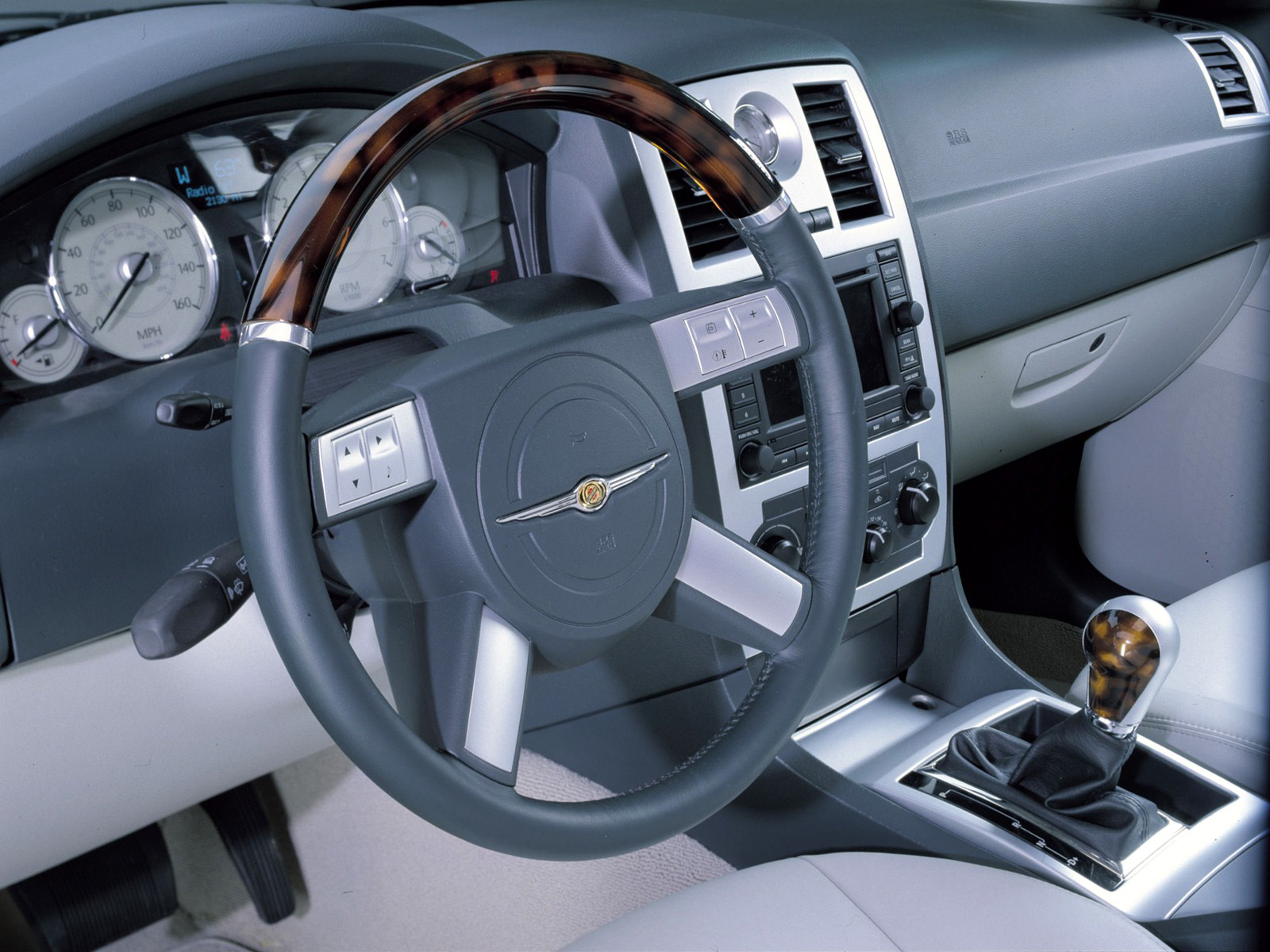 Interieur_Chrysler-300C_61