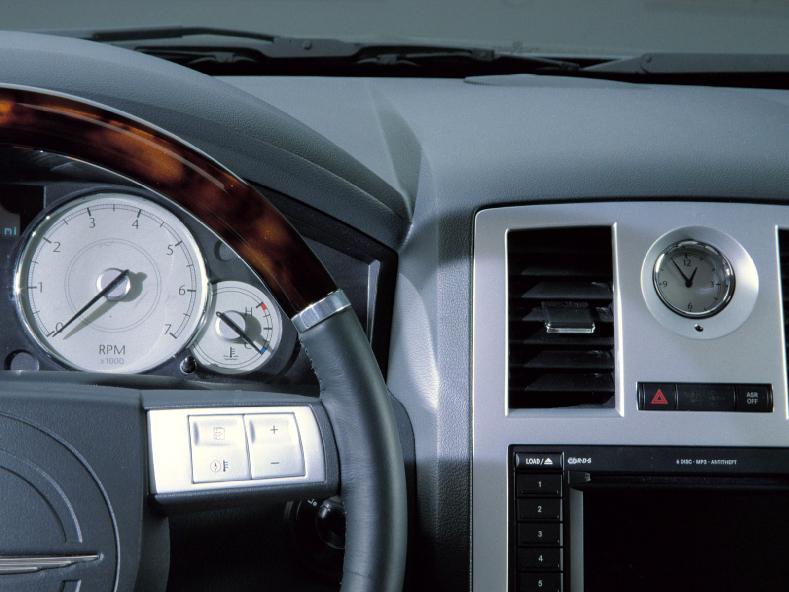 Interieur_Chrysler-300C_45