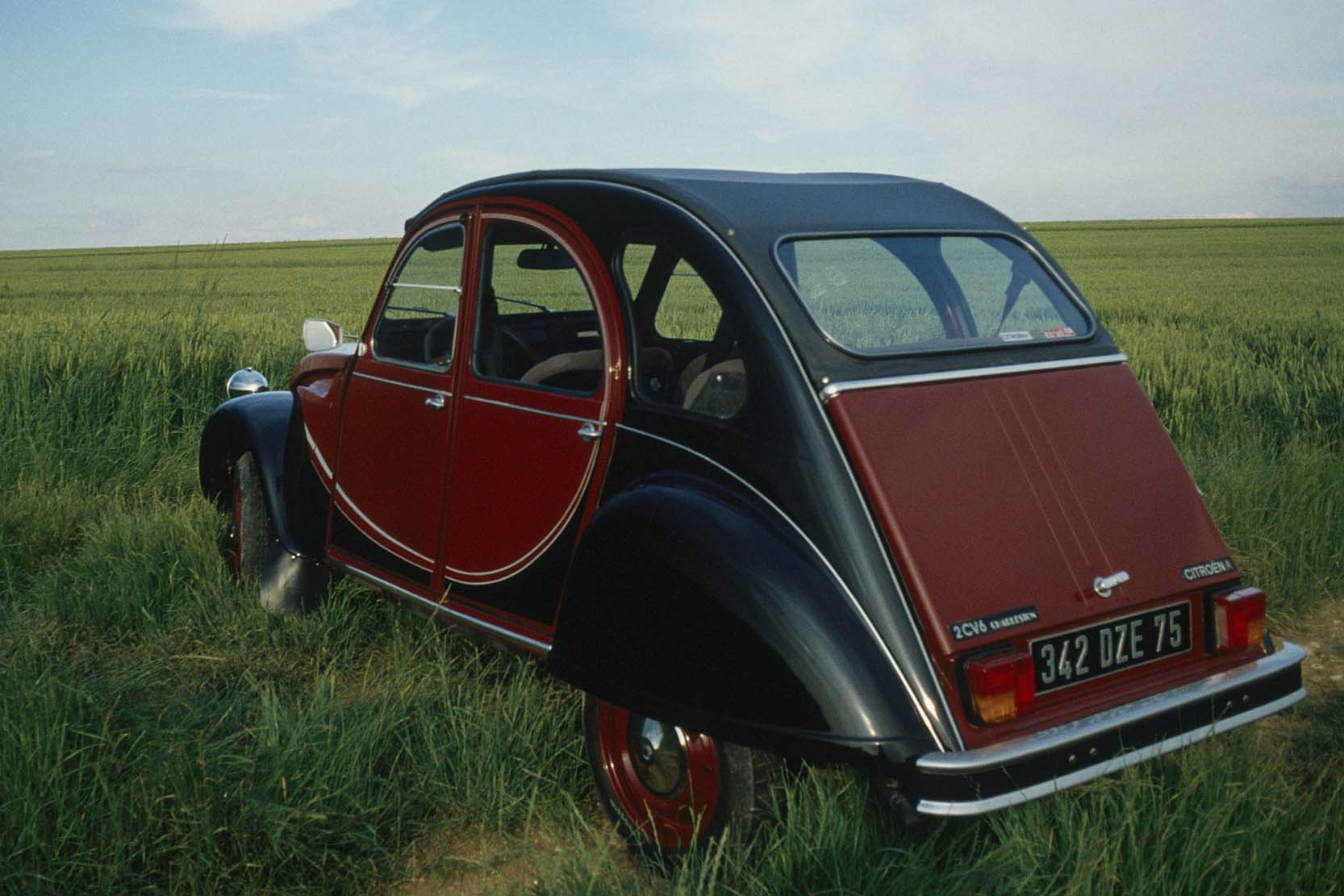 photo citroen 2cv  exterieur