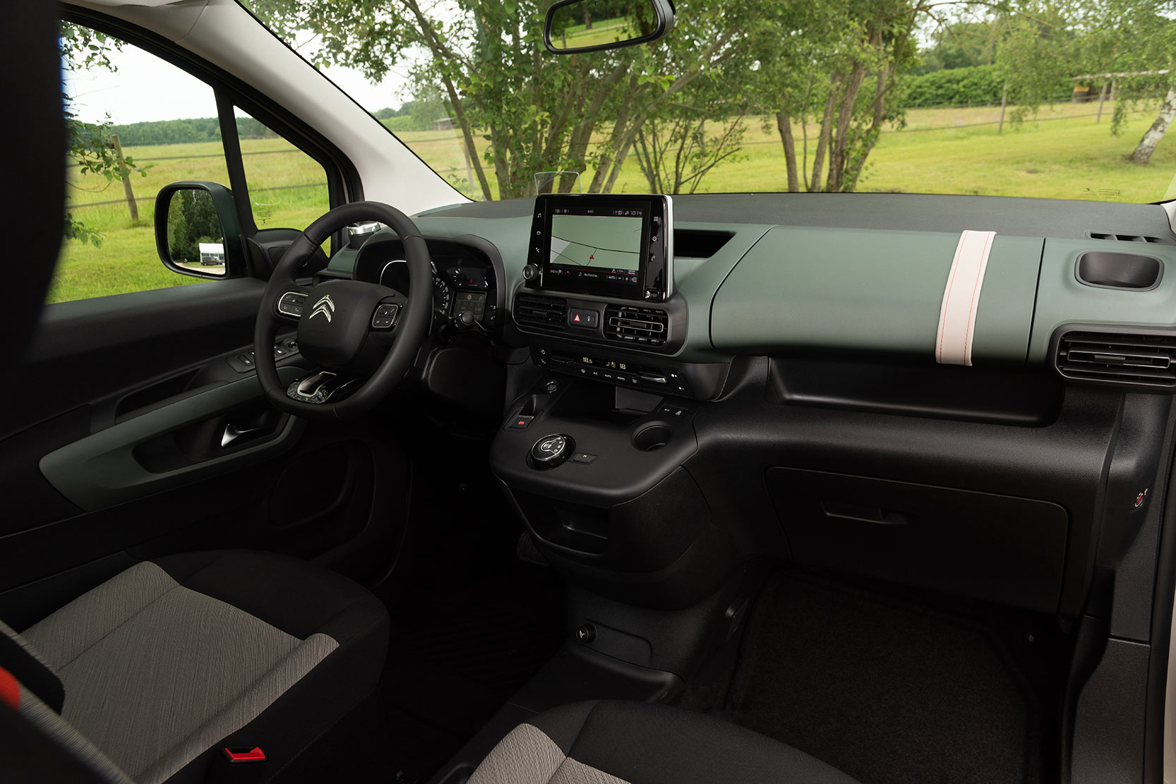 Interieur_Citroen-Berlingo-PureTech-110_37