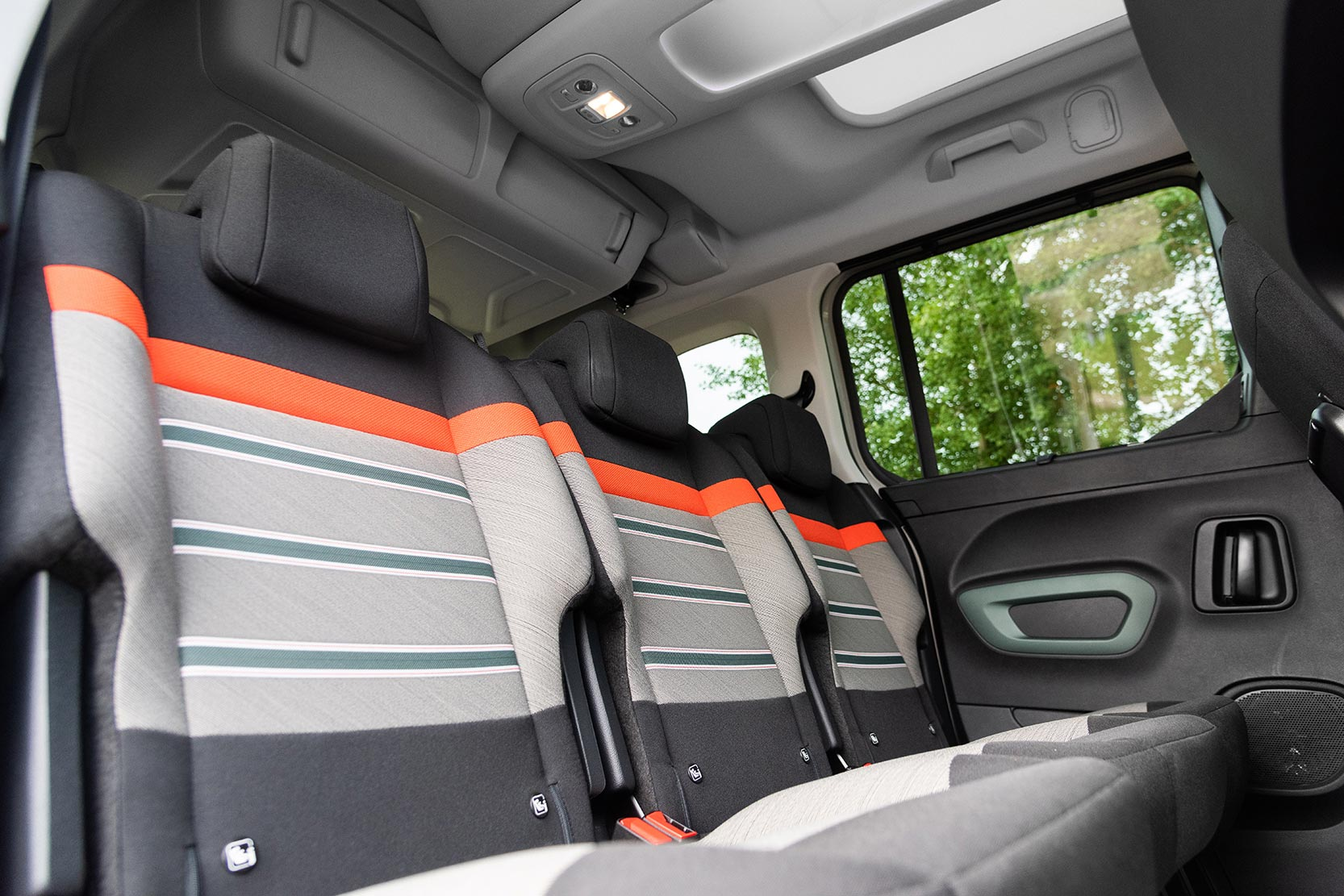 Interieur_Citroen-Berlingo-PureTech-110_32
