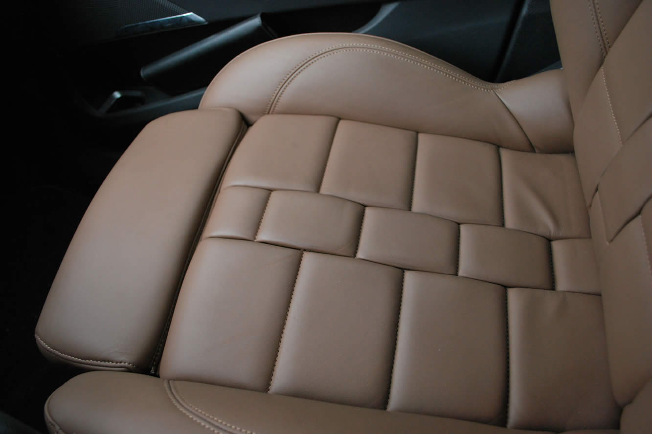 Interieur_Citroen-DS5-THP-200-2012_31