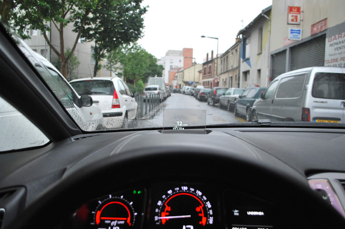 Interieur_Citroen-DS5-THP-200-2012_21