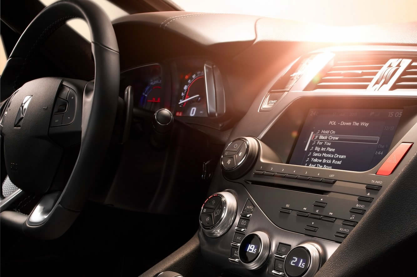 Interieur_Citroen-DS5_21