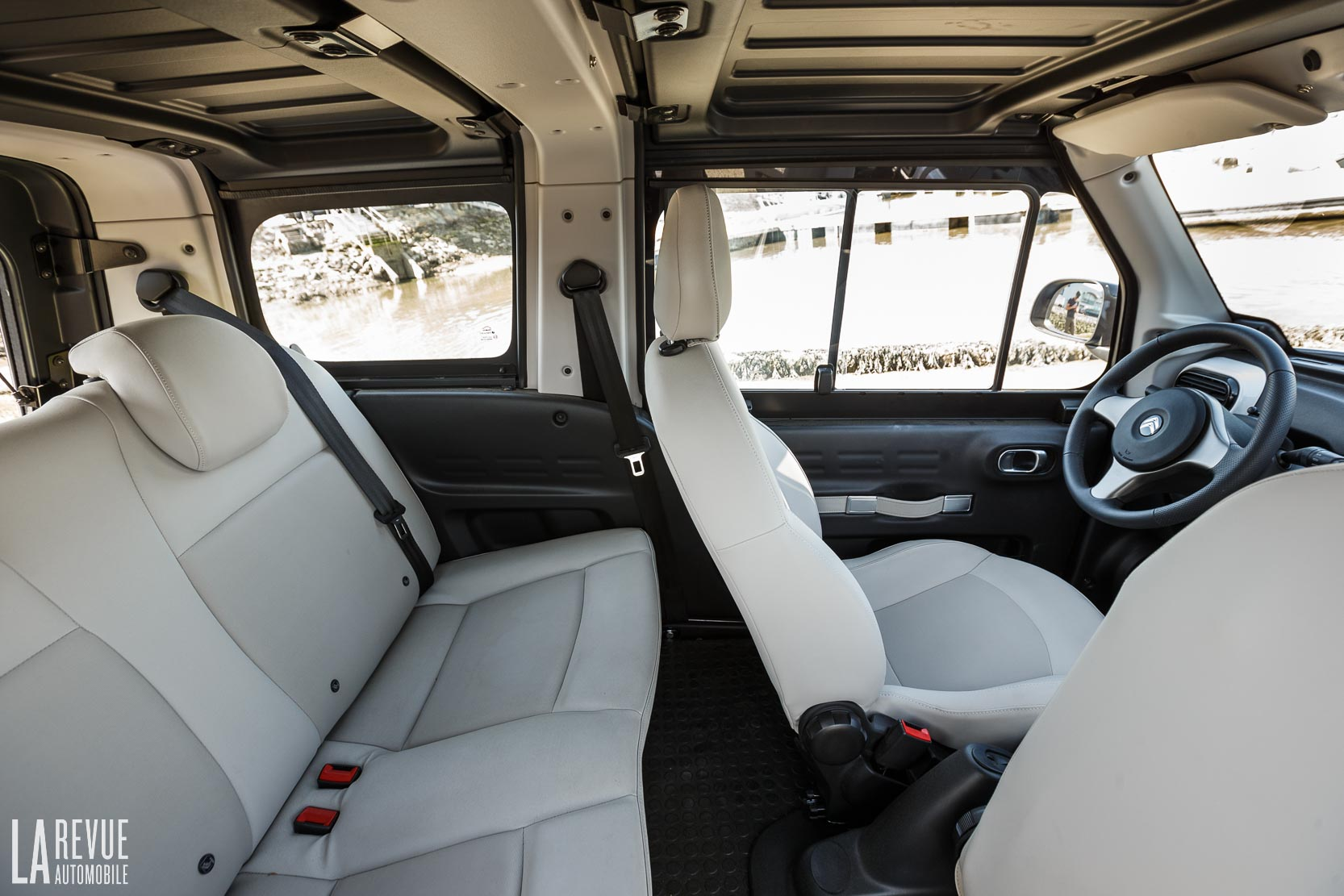 Interieur_Citroen-e-Mehari-Hard-Top_41