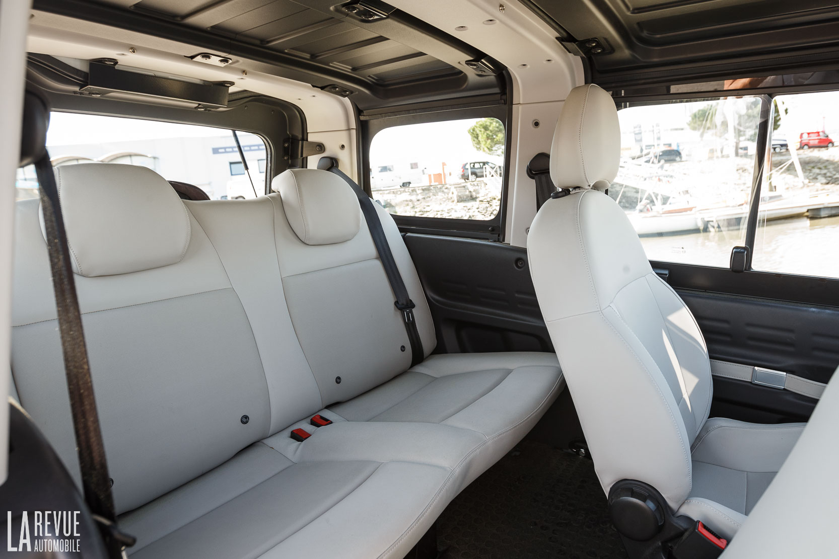 Interieur_Citroen-e-Mehari-Hard-Top_37