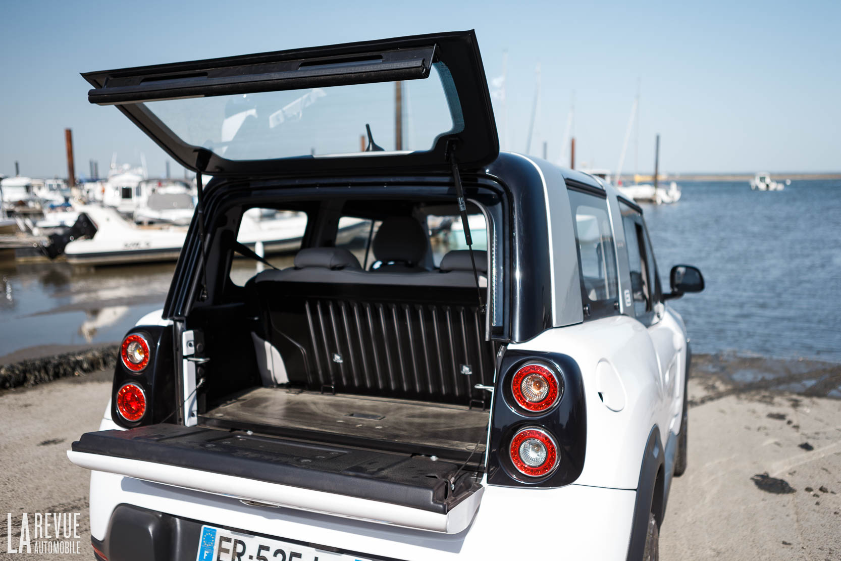 Interieur_Citroen-e-Mehari-Hard-Top_46
