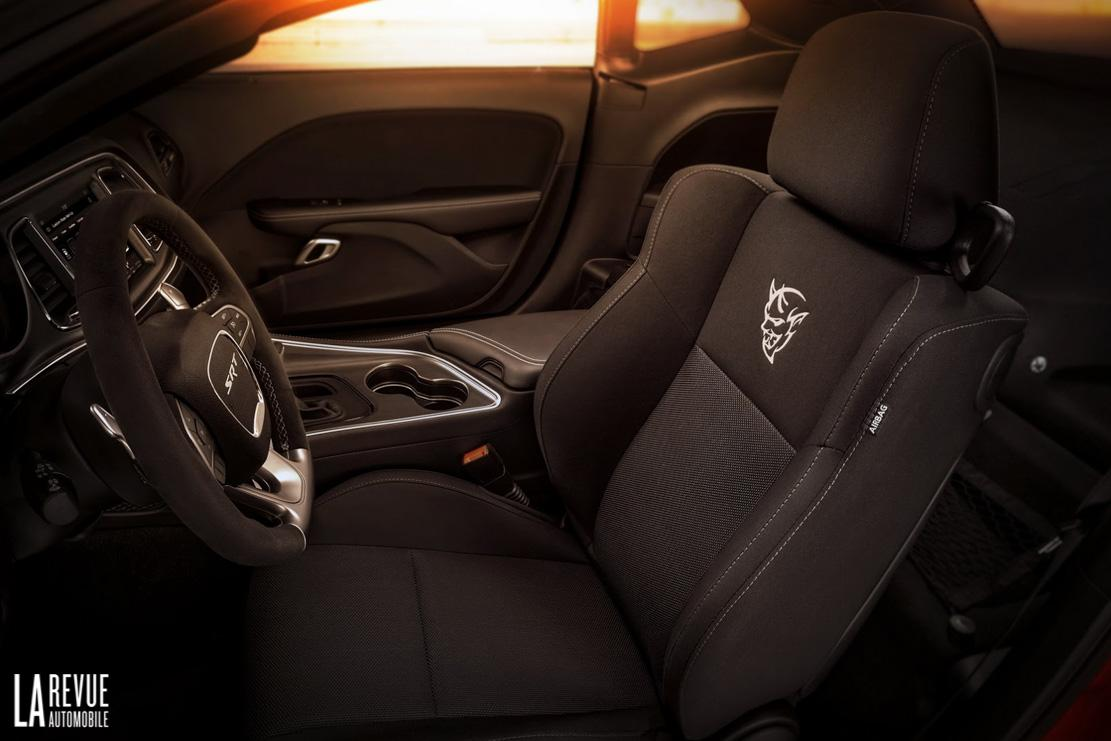 Interieur_Dodge-Challenger-SRT-Demon_70