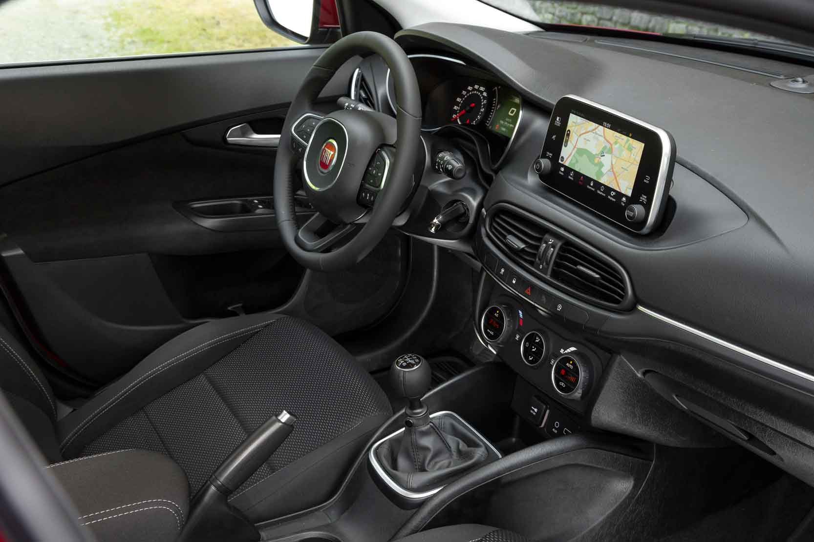 Interieur_Fiat-Tipo-Lounge_16