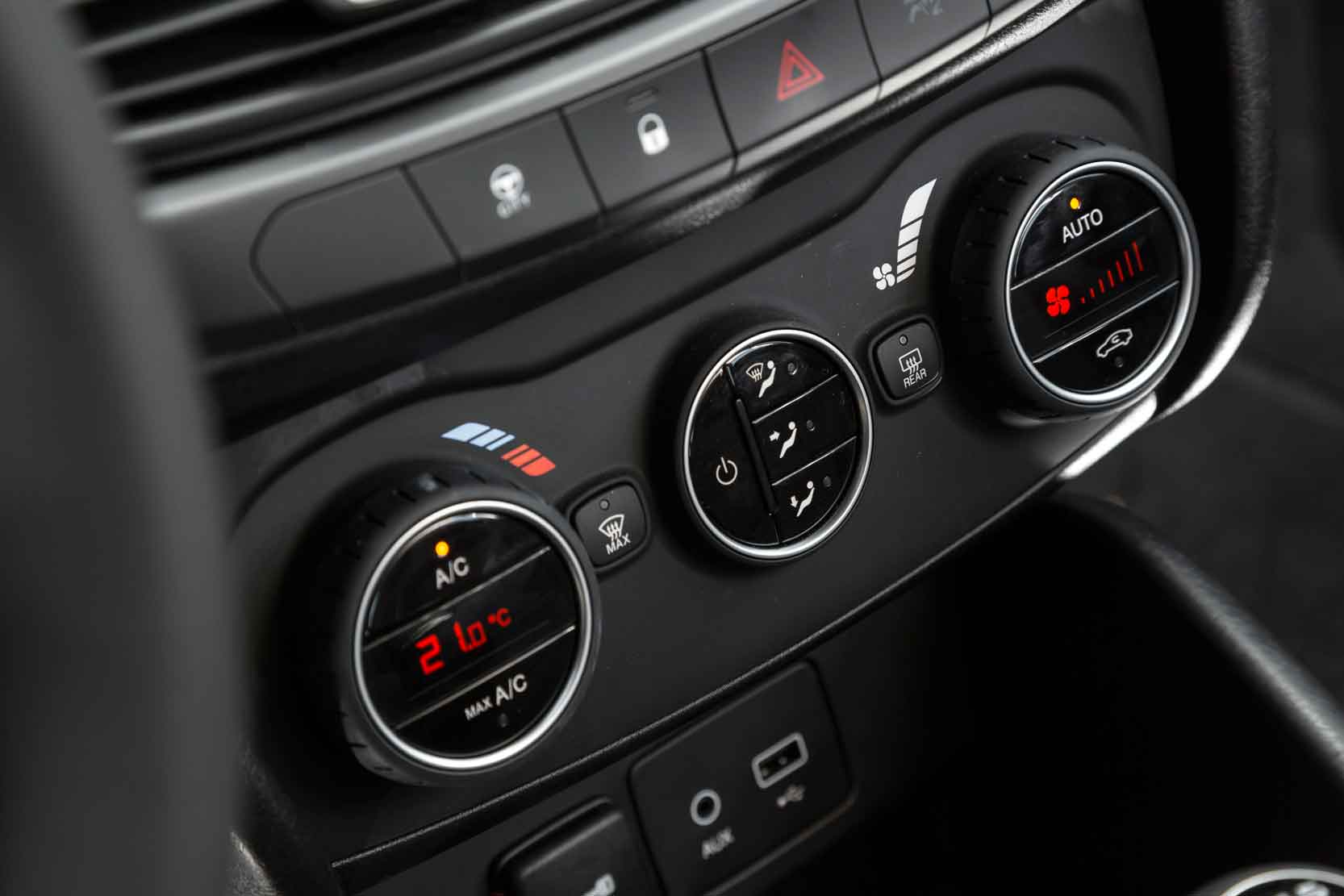 Interieur_Fiat-Tipo-Lounge_20