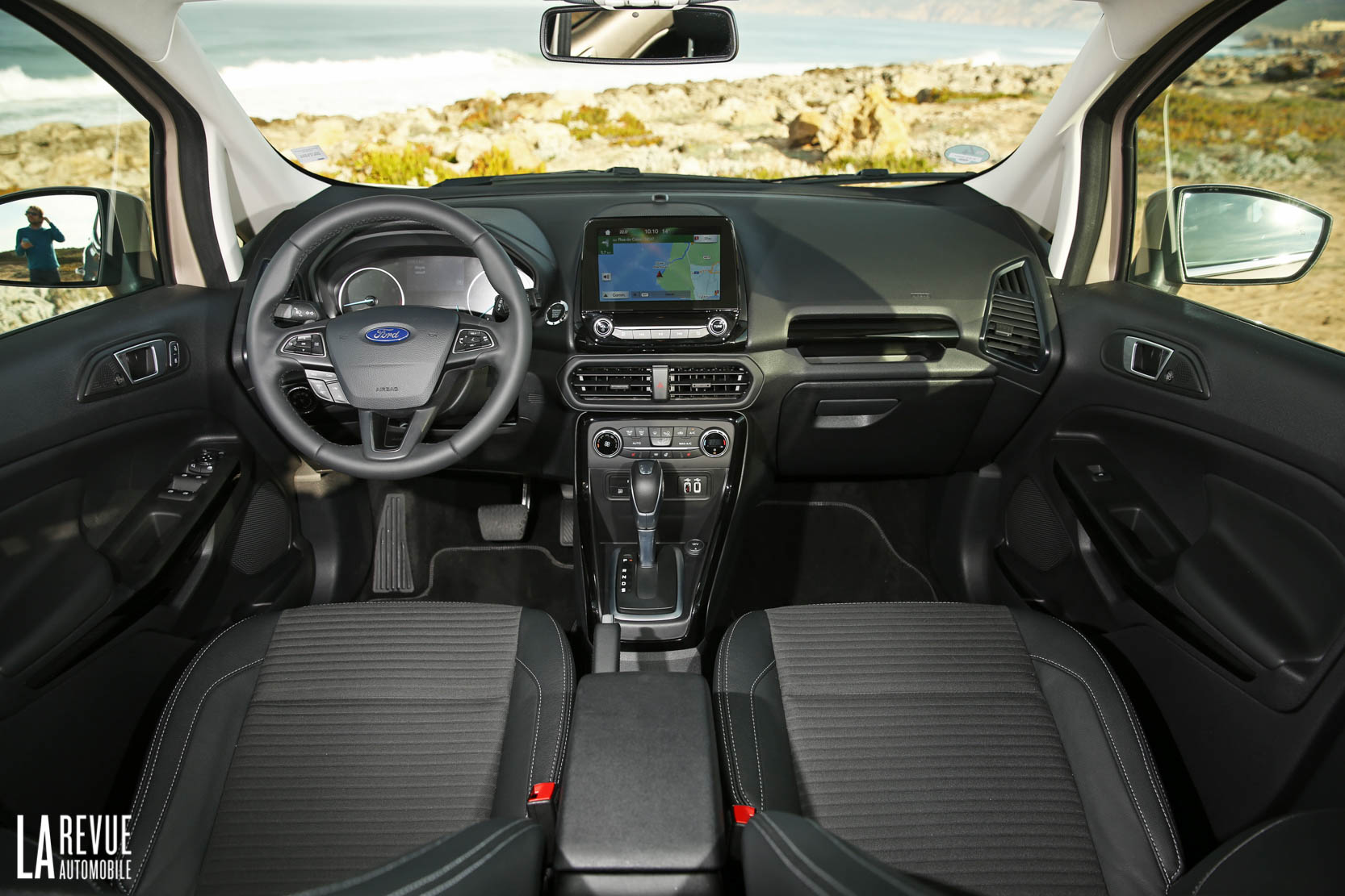 Interieur_Ford-EcoSport-ST-Line-2017_44