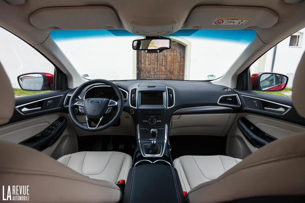 Interieur_Ford-Edge-2.0-TDCi-180_44