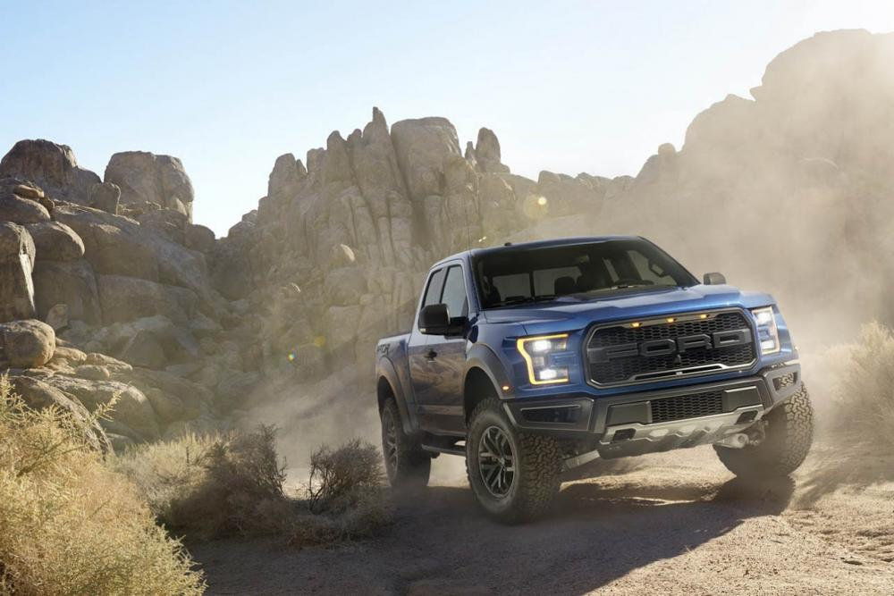 Exterieur_Ford-F150-Raptor-2015_9