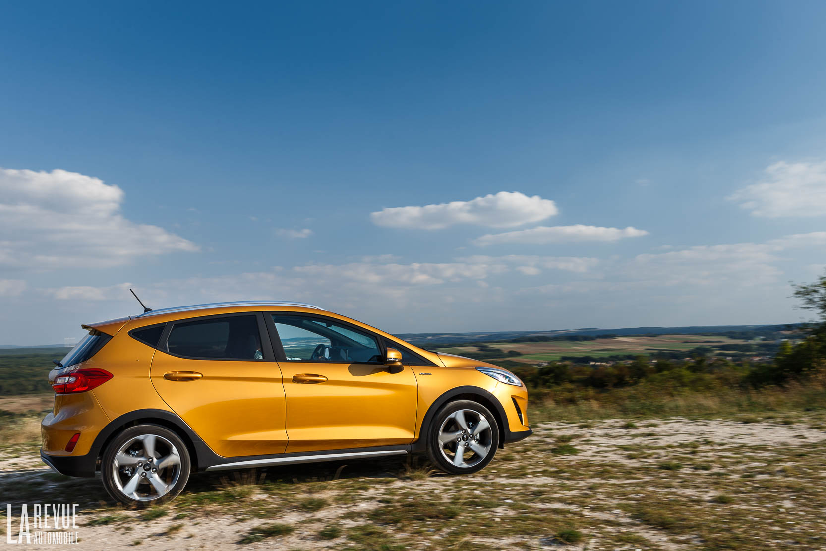 Exterieur_Ford-Fiesta-Active-SUV_10